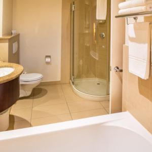 City-Lodge-Hotel-Hatfield-Bathroom